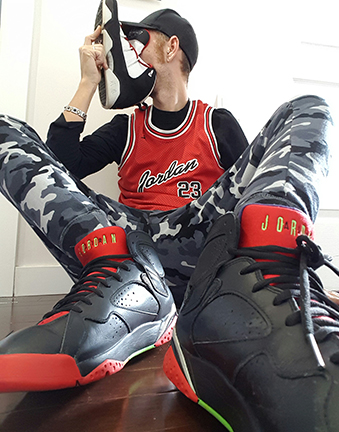 sneakersniffsm.jpg